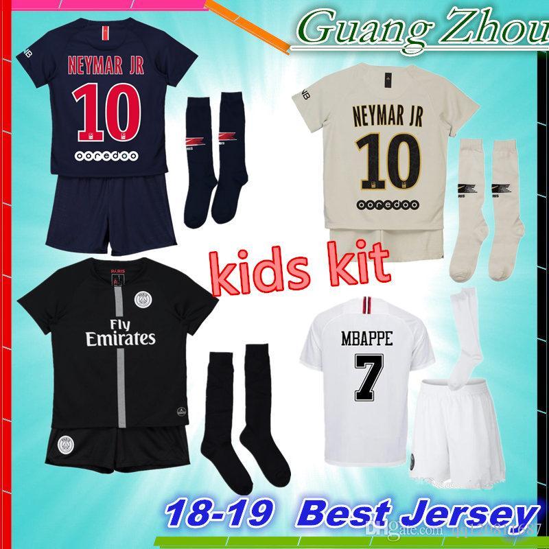 79be94048 Compre 2019 MBAPPE 7   PSG Kids Kit Camisas De Futebol 18 19 Juventudes  Menino Criança Terceiro Preto Branco 3Rd CHAMPIONS LEAGUE Camisas De  Futebol ...