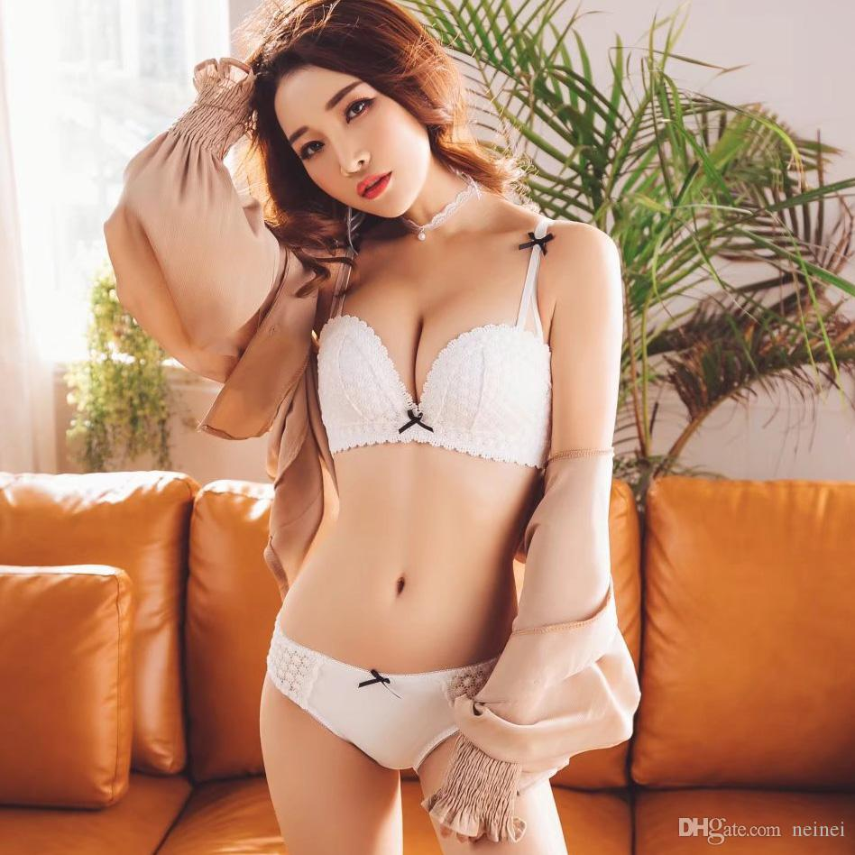 64af4e6787 2019 Romantic Embroidery Girls Small Underwear Suits Push Up Seamless Bra  Set Women Intimates Deep V Next Sexy Bra And Panty From Neinei