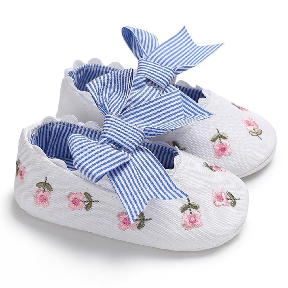 0409327239990a Acheter Chaussures Bébé Fille Premiers Marcheurs Floral Broderie Noeud  Papillon À Rayures Toddler First Walkers Chaussures Chaussure Fille 2018  Summer De ...