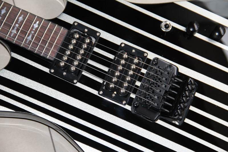 Frete grátis New arrival Custom Synyster Personalizado guitarra Ebony board corpo preto, prata tarja 111001