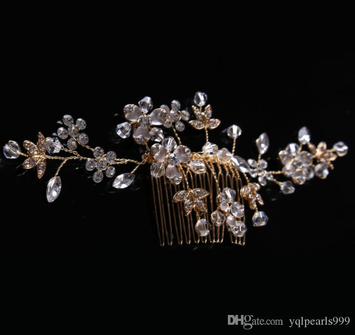 Bridal gown with golden water drill to ornament the bride's Handmade headwear
