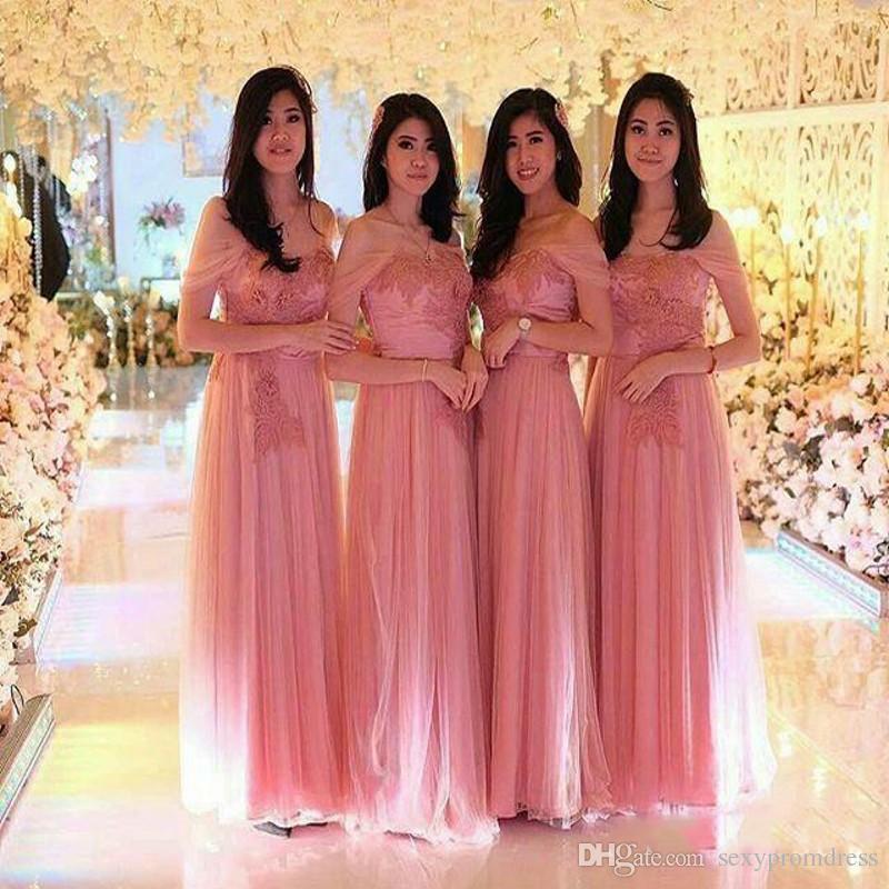a6ccdcac7 Compre Magníficos Vestidos Rosados largos Para Dama De Honor 2019 Apliques  De Encaje Tulle Off Shoulder Vestidos De Dama De Honor Boda A Medida A   79.4 ...