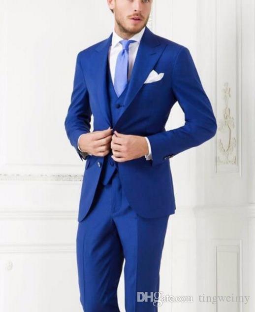 Acheter Costume Homme Mariage 2018 Hommes Costumes Blazer Costumes De  Mariage Bleu Royal Party Smoky Party Slim Hommes Veste + Gilet + Pantalon +  Arc De ... 28eac38b16e