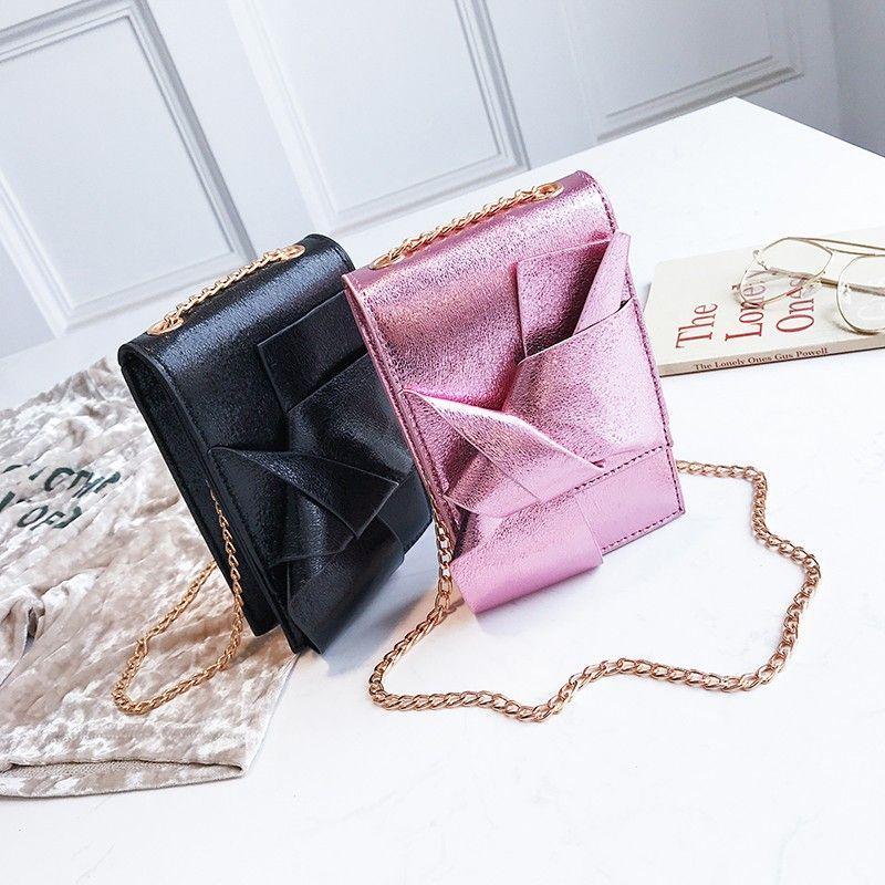 e1e53055af Compre Bolsos De Diseño De Lujo De Las Mujeres Coreanas Mini Bolsas De  Teléfono Celular Simple Pequeño Crossbody Bolsas Casual Ladies Flap  Shoulder Bag A ...