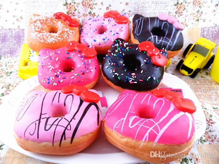 10 cm Squishies Kawaii Merhaba Kity Sevimli Donut Jumbo Donut Ribaund Yavaş Yükselen Kolye Telefonu Çanta Charm Ekmek Çocuklar Oyuncak hediye