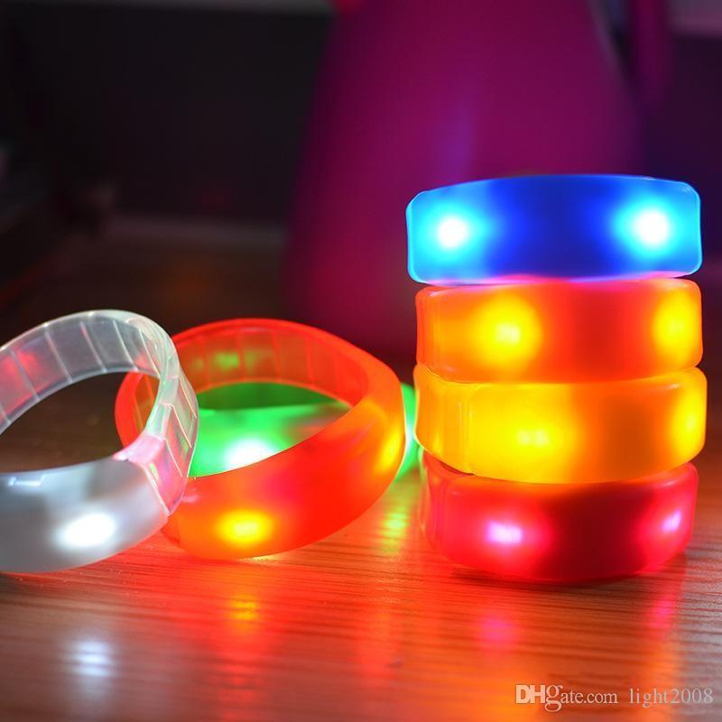Controle de som Levou Piscando Pulseira Light Up Bangle Pulseira Música Ativado Luz noturna Clube Atividade Party Bar Disco Cheer brinquedo DHL