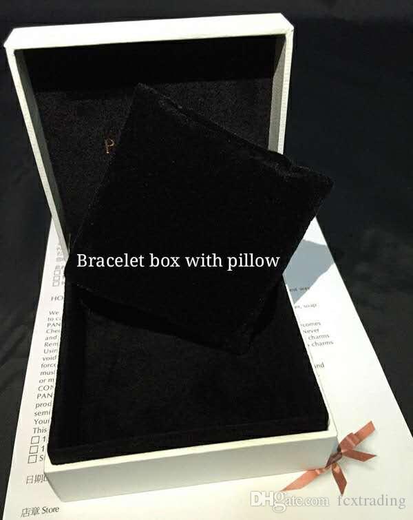 Scatola bianca di stile di Pandora spugna piatta o cuscino all'interno di fascini di perline collana orecchino anello braccialetto gioielli confezione regalo sacchetti di carta pacchetto display