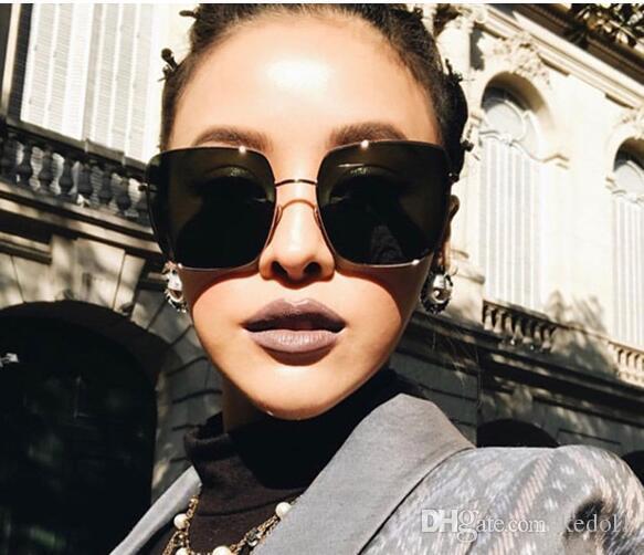 Compre 2019 Moda Moldura Quadrada Óculos De Sol Do Vintage Mulheres  Oversized Big Size Óculos De Sol Para Homens Feminino Shades Preto UV400  Eyewear De ... 5bddc6ebea