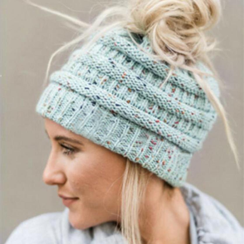 Compre Hombres Mujeres Baggy Warm Crochet Invierno Lana De Punto Gorro De Esquí  Gorros Sombrero De Otoño E Invierno Para Mantener Caliente Cuello Alto  Venta ... 6d80fcfbcbb