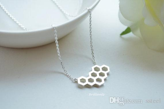 Geometric Honey Comb Bee Hive Necklace Cute Hexagon Honeycomb Chain Clavicle Necklace Jewelry Accessory Present