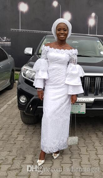 Estilos de encaje blanco de Nigeria 2019 Vestidos de noche de la longitud del tobillo chica negro Vestidos fiesta sin respaldo de manga larga con gradas de la sirena del africano
