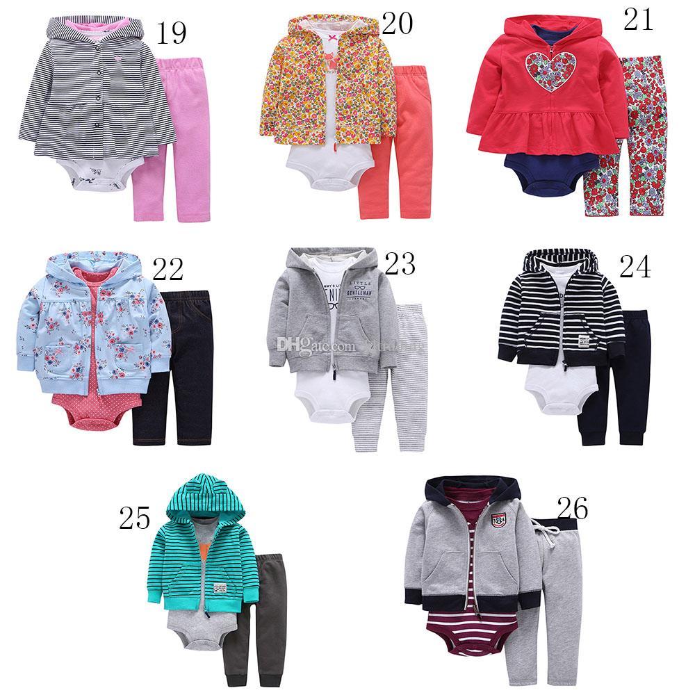 Meninos das meninas do bebê Stripe outfits crianças romper + Casaco com capuz + calças 3 pçs / set Boutique ternos Florais crianças Conjuntos de Roupas de Camuflagem 26 cores C4397