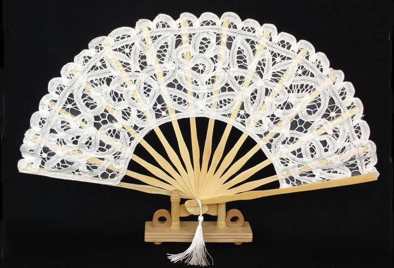200pcs 20cm 27cm Multi Color Folding Lady Embroidered Bamboo Lace Hand Fan Bridal Wedding Favors And Gift For Guest free shipping