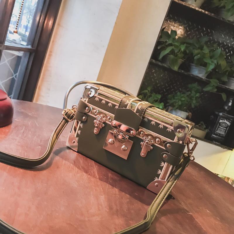 ac612cec0008e0 Großhandel Frauen Box Bag Kleine Square Kette Schultertaschen Handtaschen  Und Geldbörse Frauen Crossbody Taschen Clutch Bolsas Femininas Von  Gansuook, ...