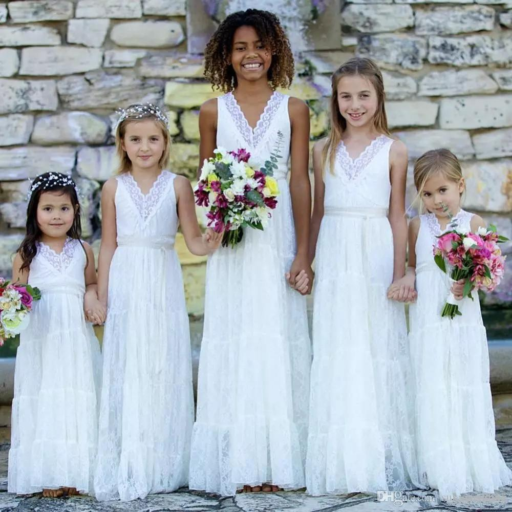 3d75044f6ca83 Country Style Lace Flower Girls Dresses White V neck Boho Wedding Party  Dresses Juniors Bridesmaids Gowns Cheap Long First Communion Dresses