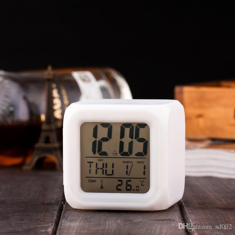 الصمام الخفيفة الجدول الساعات البلاستيك مربع البطارية المنبه الرقمية متوهجة في الظلام مكتب ساعة التحفة الفنية 7 25wj ب