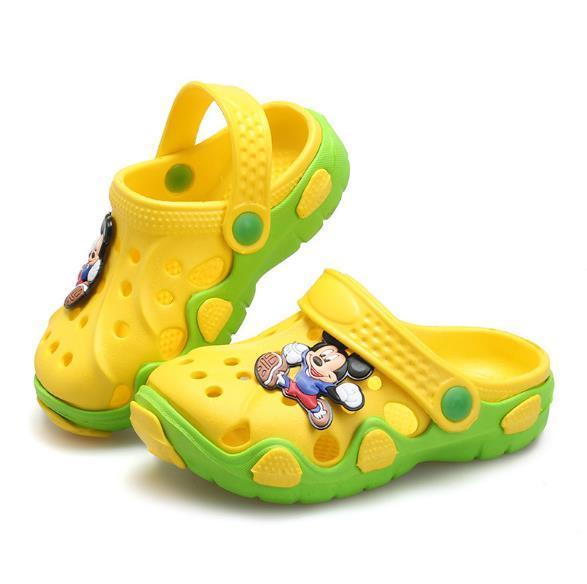 2018 sommer Kinder Schuhe Jungen Mädchen Hausschuhe Komfortable Niedlichen Cartoon EVA Clog Hausschuhe Outdoor Kinder Sandalen Jungen Strandschuhe
