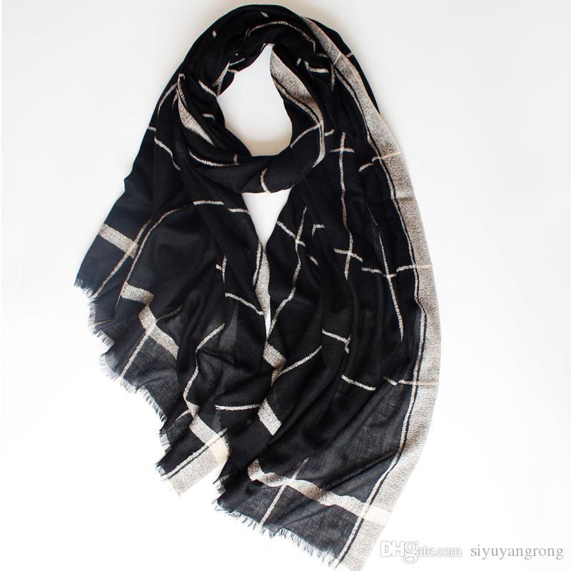 2018 nouvelle mode dames haut de gamme, écharpe en laine à réseau blanc, crème solaire estivale mince pour vous faire une plus belle écharpe.