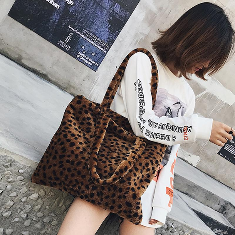 2019 Fashion Vintage Fashion Women Tote Bag Faux Fur Day High Quality  Velvet Women Shoulder Bag Handbag Faux Fur Plush Cony Hair Female Purses  Wholesale ... 480eddce89e61