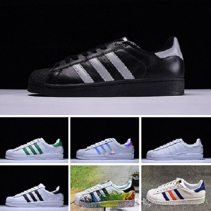 the latest f57c2 d7cb7 Compre Adidas Superstar 80s Running Shoes Zapatillas Deportivas Sup Original  White Hologram Iridescent Junior Gold Sup Snea Originals Super Star Mujeres  ...