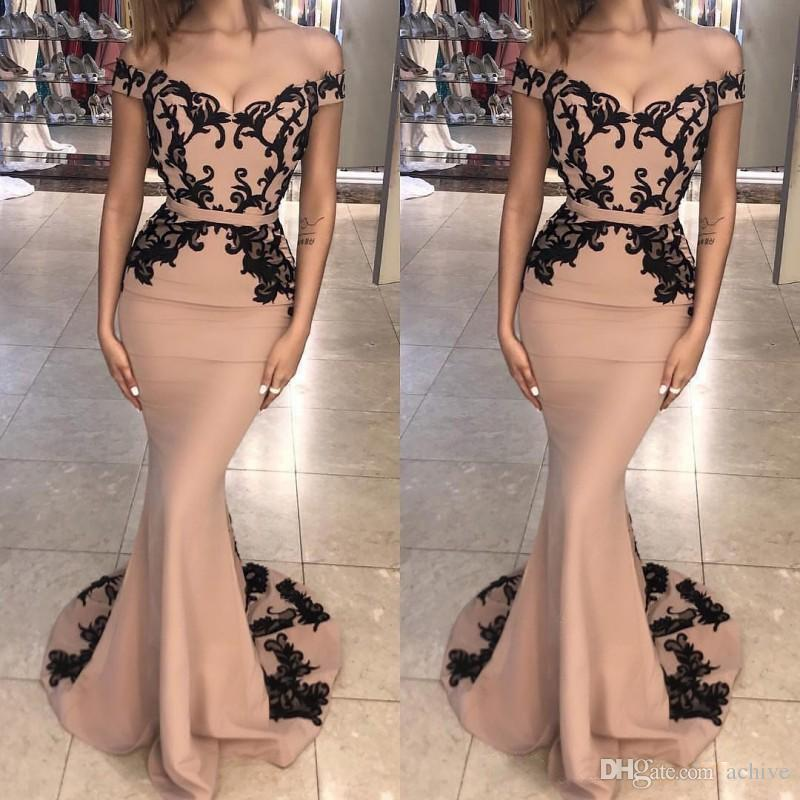 2018 Champagne Mermaid Evening Dresses Long With Black Lace Applique Sexy Prom Gowns Sweep Train Custom Made Formal Party Gowns Engagement