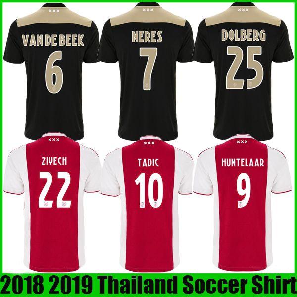Compre Ajax 18 19 Home Vermelho Camisa De Futebol 2018 2019 Ajax FC NOURI  ZIYECH DOLBERG HUNTELAAR Fora Futebol Preto Personalizado De Futebol  Camiseta ... c653415ddb148