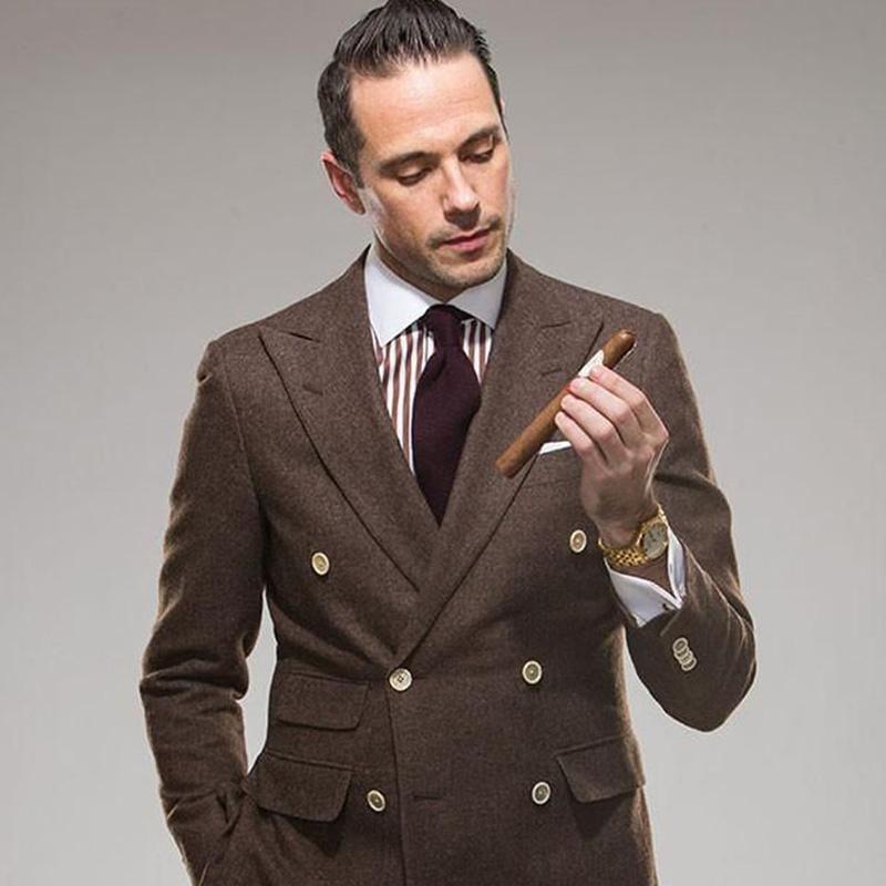 Acquista Abito Marrone Abito Da Sposo In Tweed Uomo Smoking Da Sposo Giacca Blazer  Abito Doppiopetto Con Risvolto Risvolto 2 Pezzi Terno Slim Fit A  181.37 ... 0d0a39a59a8