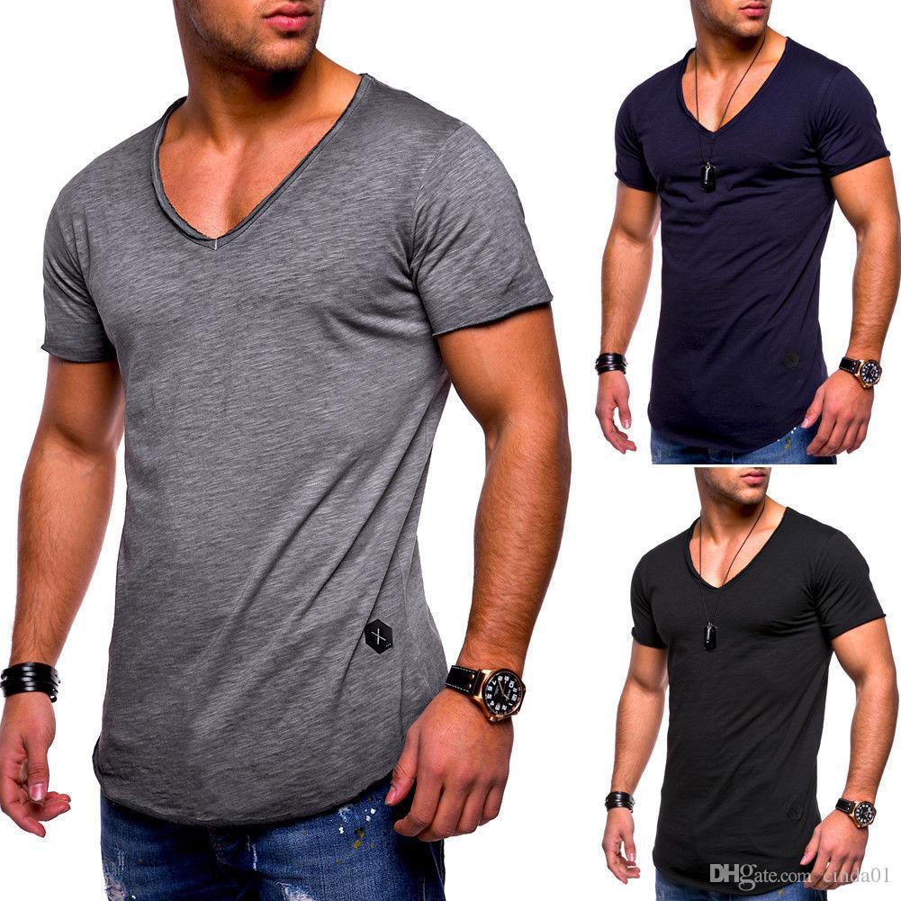 competitive price eaabf 1aa15 Neue Mode Männer Sommer t-shirt V-ausschnitt Casual Top High Street  Einfarbig Stilvolle Baumwolle Top Muskel Mann T-shirt
