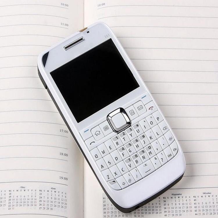 2MP bar unlocked phone Camera sim card 2.36 inch E63 cell phone smart phone with WIFI GPS Bluetooth FM radio with box