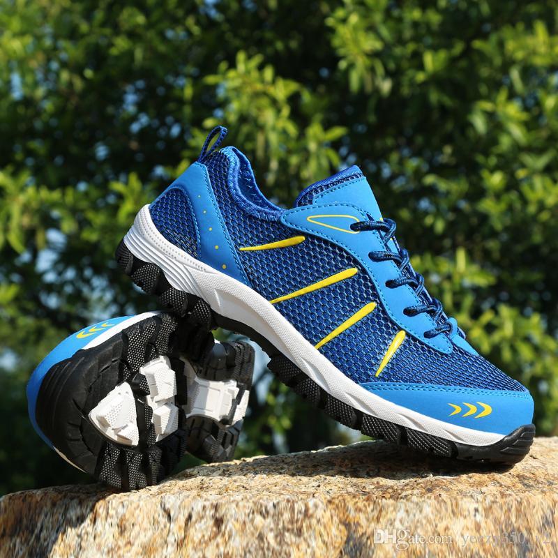 check out 6a0a2 39949 Compre Nueva Marca De Verano Masculino Cómodos Zapatos Para Caminar  Zapatillas De Deporte Al Aire Libre Hombres Deportes Zapatillas Deportivas  Atléticas ...