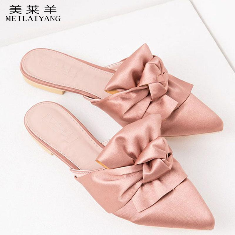 Neue Mode Spitzschuh rosa Satin Pantoffeln Fliege Wohnungen Schmetterling Knoten Frauen Hausschuhe