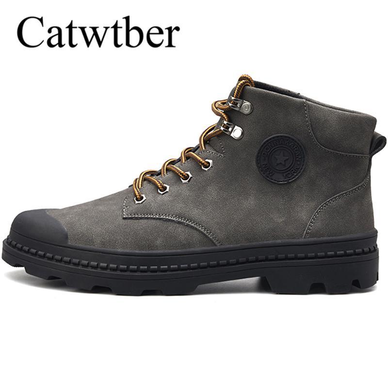 9a5406dc Compre Catwtber Nuevos Hombres Botas De Cuero Resbalón En Los Zapatos Del  Dedo Del Pie Redondo Moda Motocicleta Calzado Botines De Hombre De Alta  Calidad ...