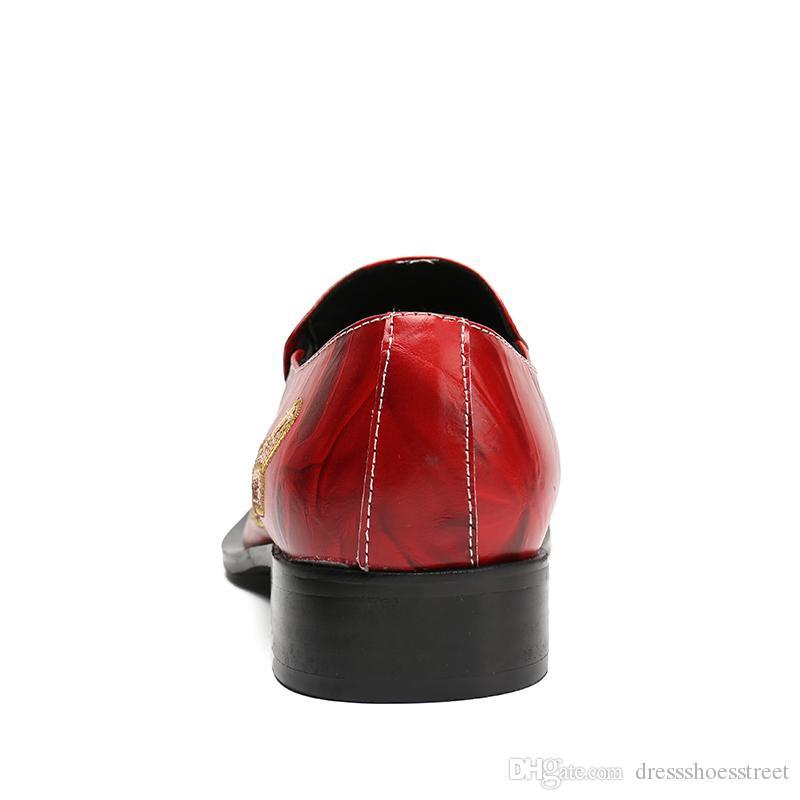 Resbalón del dedo del pie puntiagudo rojo en los zapatos de cuero genuino hombres moda lentejuelas metal dragón diseño para hombre zapatos de boda zapatos de fiesta de lujo hombre