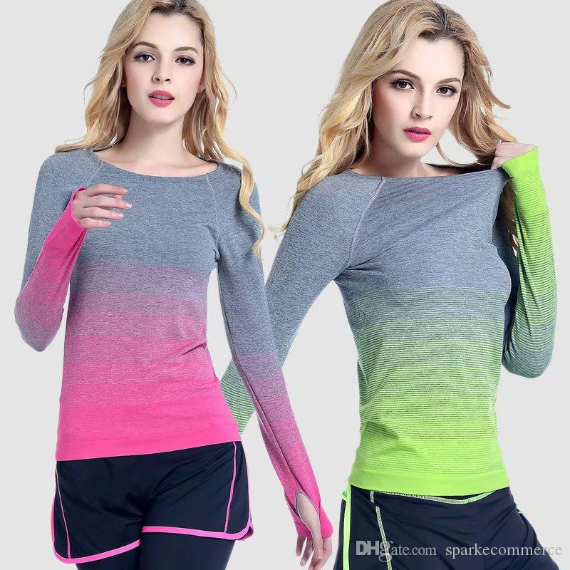 Acheter 2018 Lady Femmes Yoga Chemises De Plein Air Tops Vêtements Fitness  Sports T Shirt Gym Sexy Manches Longues Respirant Sportswear Jogging Rapide  Sec ... 13d095ff4ff