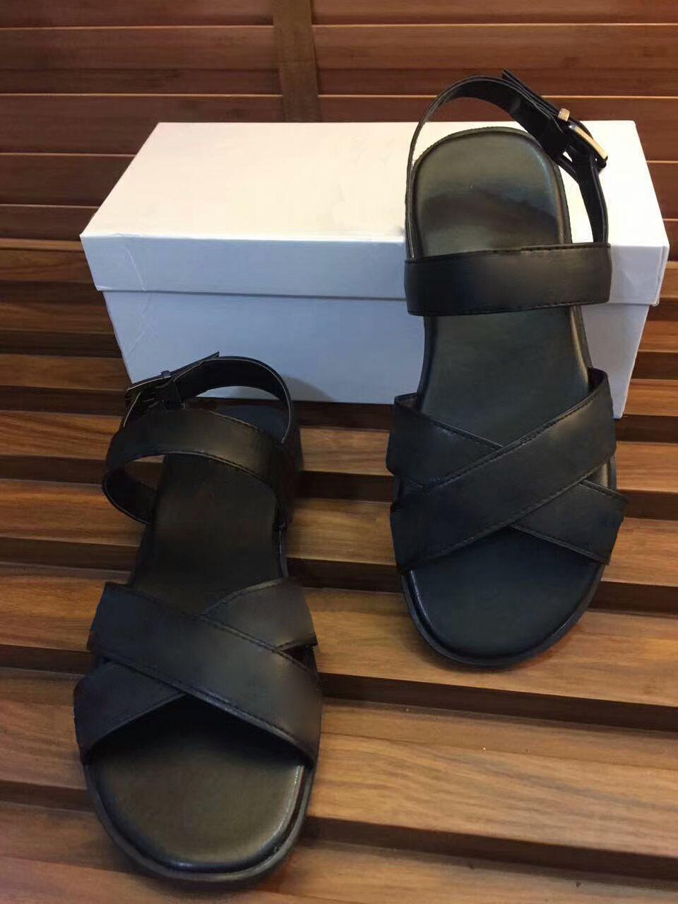 2430bcb5a0cc70 Dust Bags+ Box Sandals Medusa Scuffs Men Summer Huaraches Flip Flops  Slippers Loafers Slides Designer Sandals Slipper Medusa Slippers Medusa  Online with ...