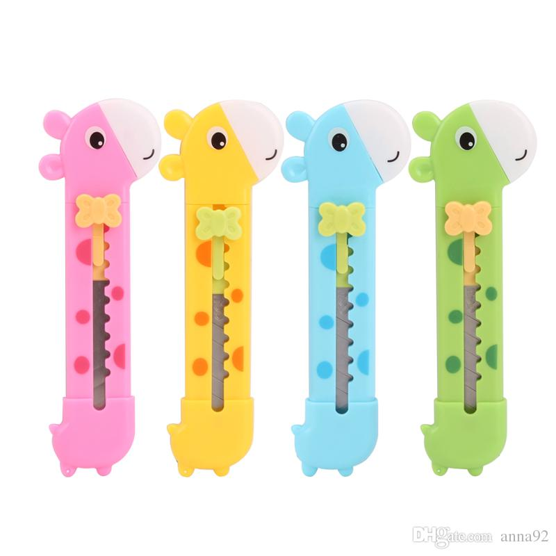 Cute Giraffe Utility Knife Paper Cutter Cutting Paper Razor Blade Office Stationery Escolar Papelaria School Supply 2018 new