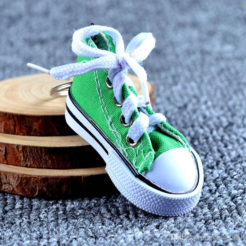 Nova moda atacado 3D sapatilha chaveiro colorido simulação sapatos de lona chaveiro bonecas acessórios venda quente