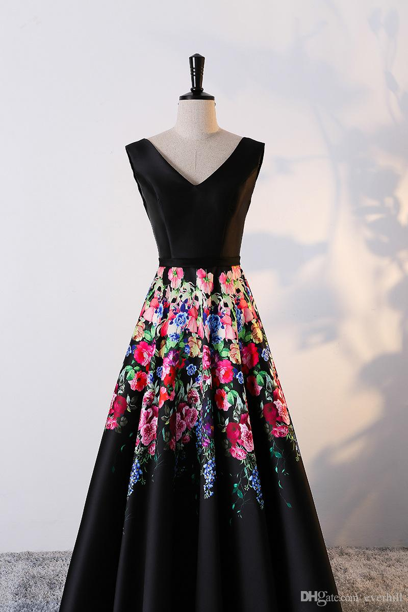 Großhandel Black Floral Damen Ballkleider Lange Abendkleider Mit Blumen  Druckmuster V Ausschnitt A Line Teenager Party Kleider Bodenlangen Von