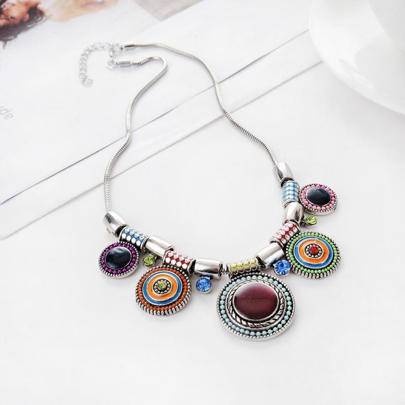 439f790fdda0 Compre Nuevo Collar De Gargantilla Moda Collares Étnico De Color De Plata  De La Vendimia De Color Granos Colgante Collar Llamativo Para Las Mujeres  Regalo ...