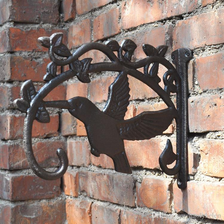 2018 Cast Iron Flying Bird Wall Mounted Hook Garden Decor Hummingbird Metal  Hook Hanger Bracket For Hanging Flower Pot Birdcage Freeship From  Haolyhelen, ...