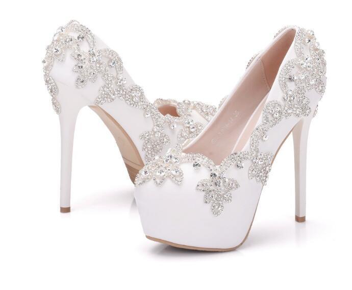 f93803f3f8 Moda bonita PU branco Sapatos de casamento de diamantes 14 cm Sapatos de  Salto Alto salto Fino À Prova D  Água mulher sapatos de Noiva tamanho  Grande 34-41
