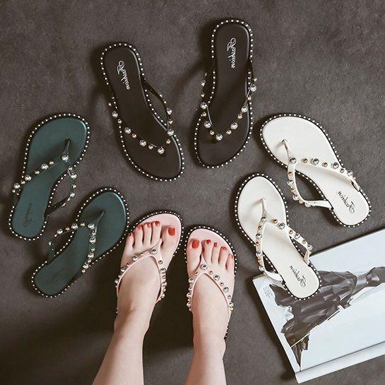 78e29e95c6f8 New 2018 Woman Summer Sandals Rivets Big Flip Flops Beach Sandalias  Femininas Flat Jelly Designer Sandals Channel