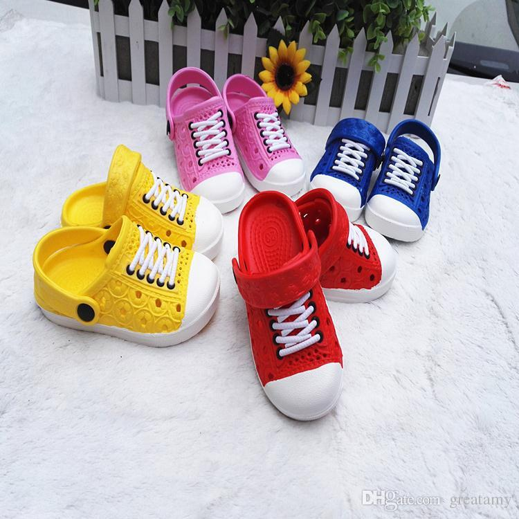 New kids beach slippers unisex clogs hole shoes summer children imitation sneakers lace shoes kids casual sandal