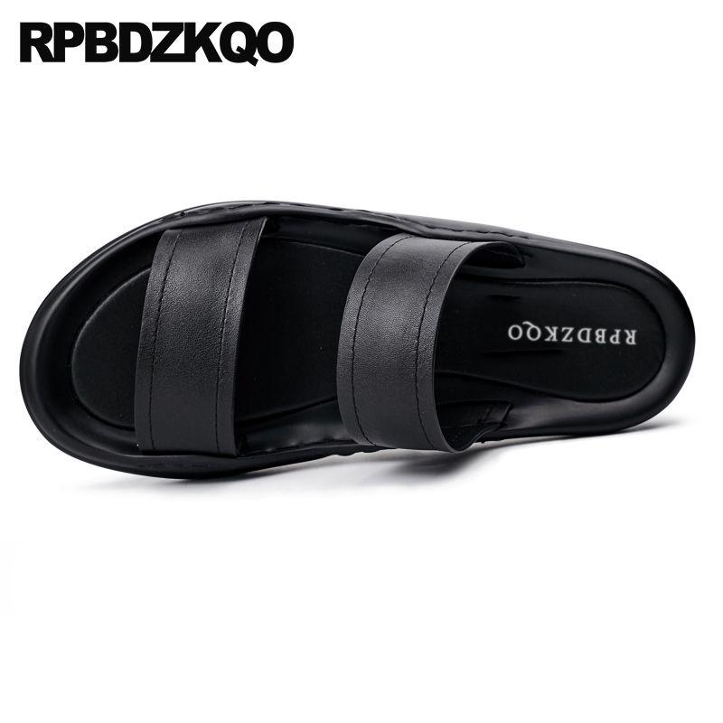 2a4ba24285a Compre Zapatos Casuales De Cuero Para Hombre Sandalias 2018 Verano Playa Al  Aire Libre Negro Hombres Moda Plana Diseñador Diapositivas Transpirables ...