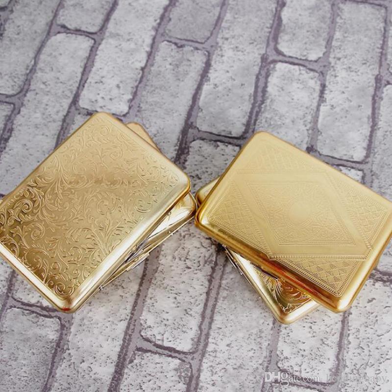Patrón de oro de la vendimia Hombre Cobre puro 16 Cajas de caja de cigarrillos regulares Caja de humo Caja de almacenamiento de cigarrillos tallados con láser Accesorios para fumadores