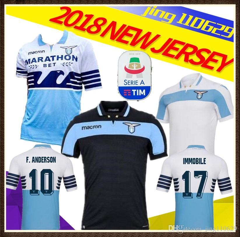 Compre 2018 2019 Publicidade Lazio Camisas De Futebol 18 19 F.ANDERSON  LUCAS KISHNA BASTA JORD JEVIC KEITA IMMOBILE LULIC Home Away Camisas De  Futebol De ... 5e13b3c0ee3fa