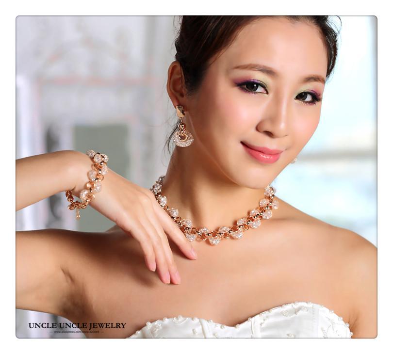 Set di gioielli sposa oro zircone austriaco di cristallo all'interno di reti di design da sposa / bracciale / orecchino all'ingrosso