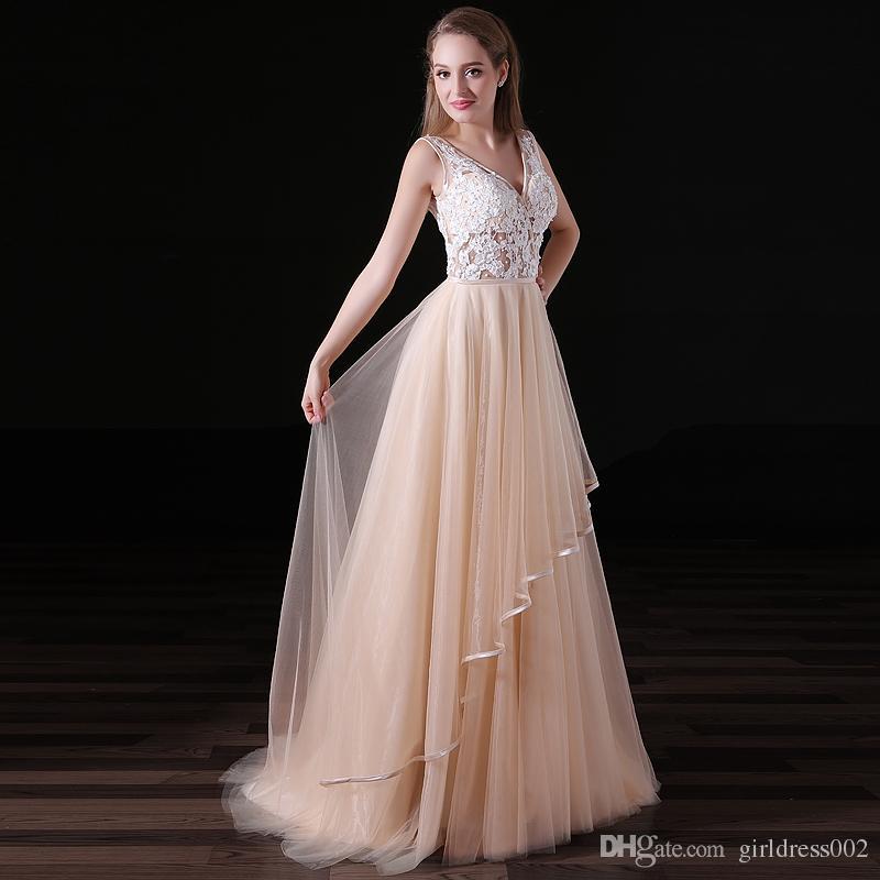 Longo Champanhe Vestidos de Dama de Honra 2019 Uma Linha V Pescoço Trem de Varredura Vestido de Baile Apliques de Renda Vestido de Noite Sem Encosto Vestido De Festa