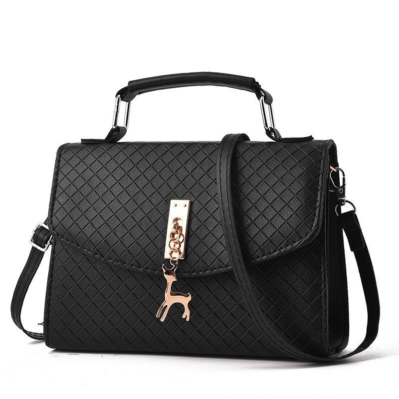 8e79f4e6124a 2018 Women Shoulder Bags Fashion Mini Bag With Deer Toy Shell Shape ...