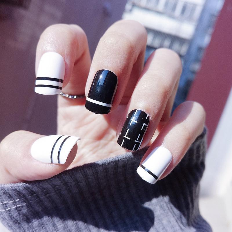 Short Fake Nails Black White Flat False Nail Tips Stripe Dotted Line